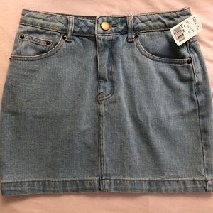 Denim mini skirt brand new! Size medium